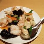 台湾料理故宮 - 海老とゆり根の塩炒め980円