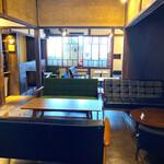 喫茶モーニング - 2階は古民家リノベ。なんか落ち着きます。