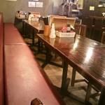 丸麺屋本舗 - 奥の席