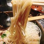 玄屋 - 酒粕拉麺の麺リフト!