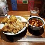 麺屋武蔵 二天 - 全体図。