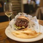 145244447 - 神戸牛パティに変更したハンバーガー