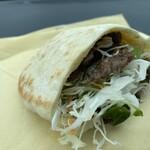 マハロ - 料理写真:鹿追牛ピタサンド600円