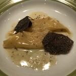 145278630 - パスタ2 トリュフ チーズ ラビオリ