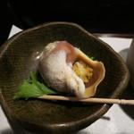 酒盃 - 箱膳 (つぶ貝) (2012/08)