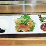 にぎり鮨 魚魚 - 選べる小鉢3種盛