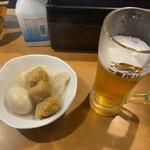 Hirasawakamaboko - 生ビール・おでん(玉子・カレーボール・さつま揚)