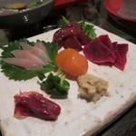 酒盃 - 比内地鶏 鶏さし (砂肝、レバー、ハツ、笹身、キンカン) (2012/08)