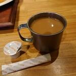 中国茶房8 - セルフサービスで珈琲もフリー。