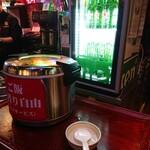 中国茶房8 - セルフサービスのおかわりご飯。