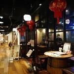 中国茶房8 - お店の入口。