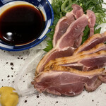 肉汁餃子と煮込みの酒場。しんちゃん -