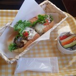 ほっこり冬カフェ - 料理写真:フィラデルフィアチーズステーキサンド(単品)