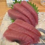 和田屋 - 料理写真:マグロの刺身❕