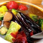 14531122 - 牛すじ煮込み「野菜ゴロゴロカレー」