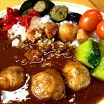 14531123 - 牛すじ煮込み「野菜ゴロゴロカレー」