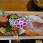 海鮮工房 なみ平 - ちらし寿司アップ