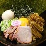 麺屋ZERO1 - 武士系あぶらそば(680円)+特製(200円)