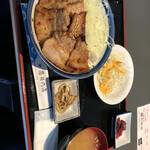 藤井肉店 - 料理写真: