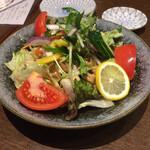 八丈島郷土料理 源八船頭 - 美桜鶏のバンバンジーサラダ