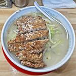 麺工房マルオ - 料理写真:「ロース塩たんめん」¥1,030