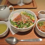ナナズグリーンティー - 料理写真:タコライスどんぶり ¥880