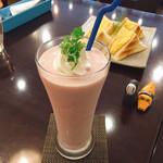 リーサカフェ - いちごとバナナの風味 名前のとおり、そのもの