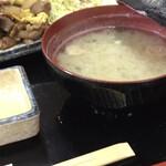正岡焼肉ハウス - お味噌汁つき