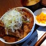 銀呈 - MIXの贅沢ぶた丼