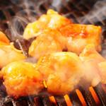 焼肉 激 - 料理写真:プリップリに焼かれている、近江のこてつ!!堪りませんっっ!!!