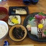 漁師めし みなと食堂 - 料理写真:お刺身定食