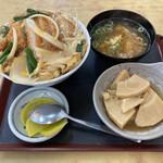 大力食堂 - カツ丼の小(600円)と若竹煮(270円)