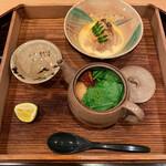 大神 - 〈三の盆〉松茸の土瓶蒸しと茶碗蒸しに寄せたもの。淡い焼き物が優しげ。