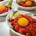 焼肉みよし - 料理写真:米沢牛炙りユッケ