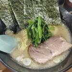 せんだい - 塩豚骨ラーメン、細麺。