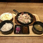 Butanikusemmombutaya - 豚ステーキ定食