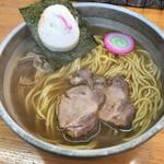 らーめん庵 - 昔風正油ラーメン 830円