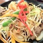 14544501 - 野菜炒めは牛肉、豚肉など大切りの具がざくざく