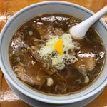 中華そば専門店 勝や - 料理写真:中華麺(ハーフ、チャーシュー) 薬味多めアブラ多め 870円