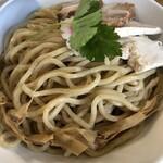 つけ麺 弐☆゛屋 - 魚介豚骨つけ麺(大)は880円