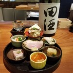 Kyoudoshukouaomoriya - あおもり八寸全種盛りと田酒 特別純米