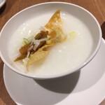 中国薬膳料理 星福 - おかゆに揚げ湯葉とザーサイ載せ