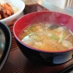 お食事処 一福亭 - 味噌汁です