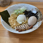 つけ麺・らーめん 辰寅 - 料理写真:味玉油そば