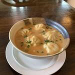 バンチャピリティカハウス - スープモモ