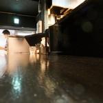 トリシオブットイメン 井の庄 - カウンターの様子3