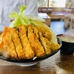 お食事処 ぼんち - ミックス丼(900円)