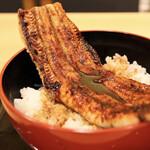 145492844 - 鰻1尾 特上うな丼1,900円(平日昼限定 通常3,800円)