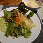 アブラッチョ - サラダとフォカッチャ