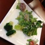 ヴィーノ - 料理写真:Aセット(2名用)のサラダ